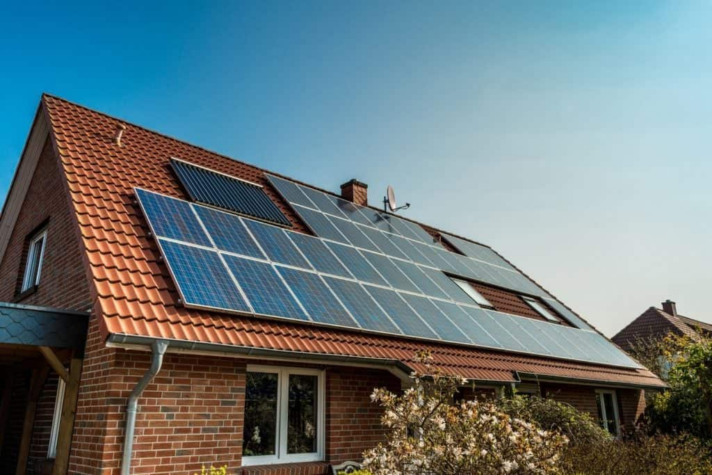 8 Questions to Ask Before Going Solar at Home