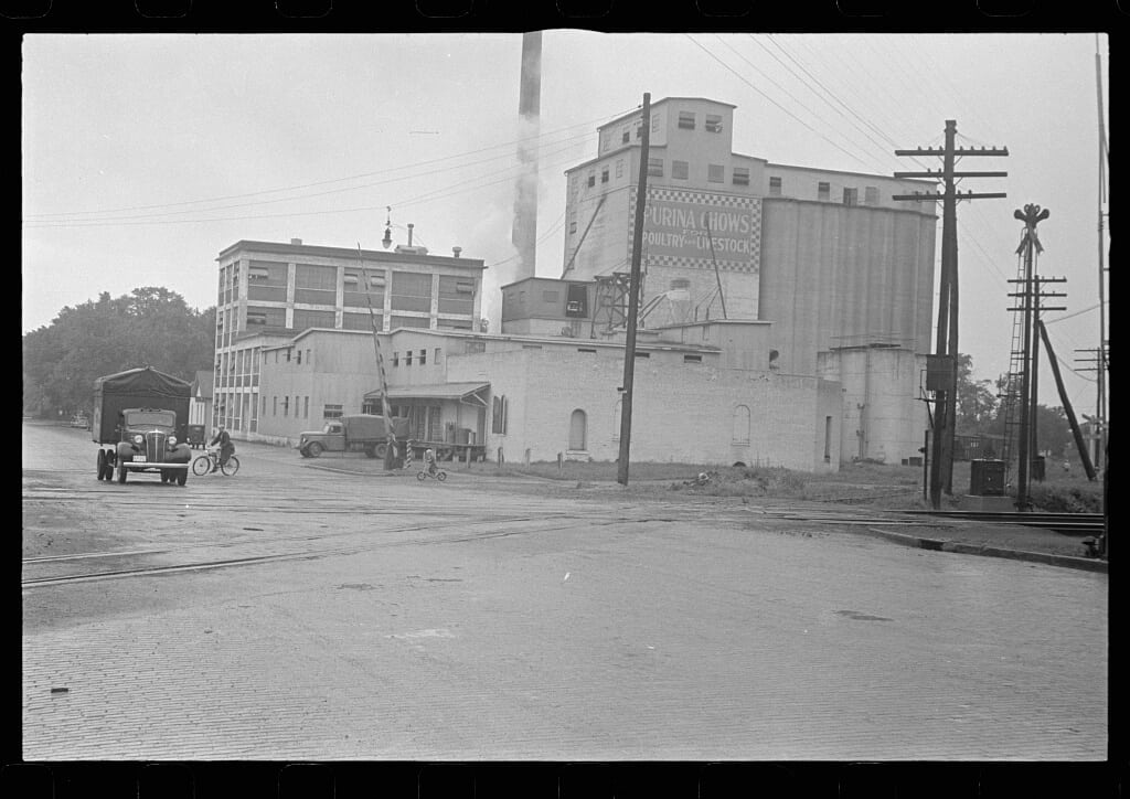 Eshelman Feed Mill Circleville Ohio-1938