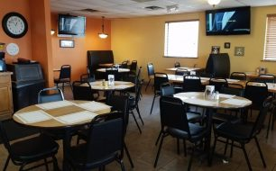 Dining Area inside Cardo's Pizza and Pasta in Circleville Ohio