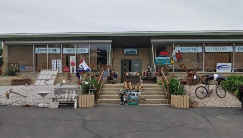 Amanda Furniture, Antique, Craft Mall and Auction House