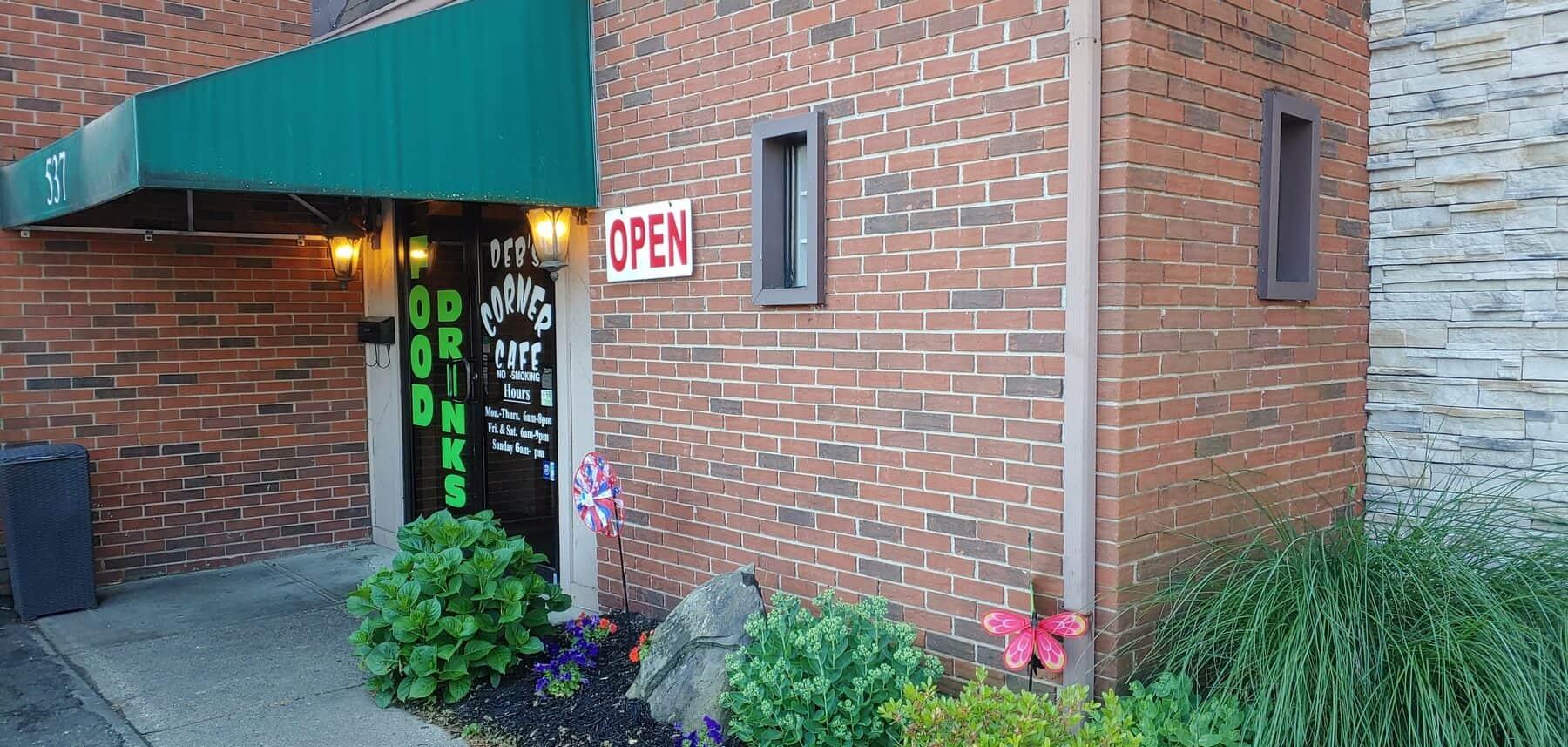 Deb's Corner Cafe