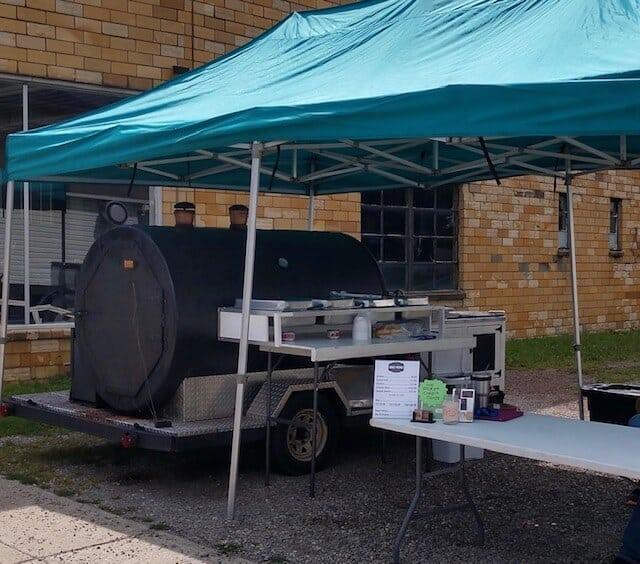 Da Que LLC Food Truck and Smoker