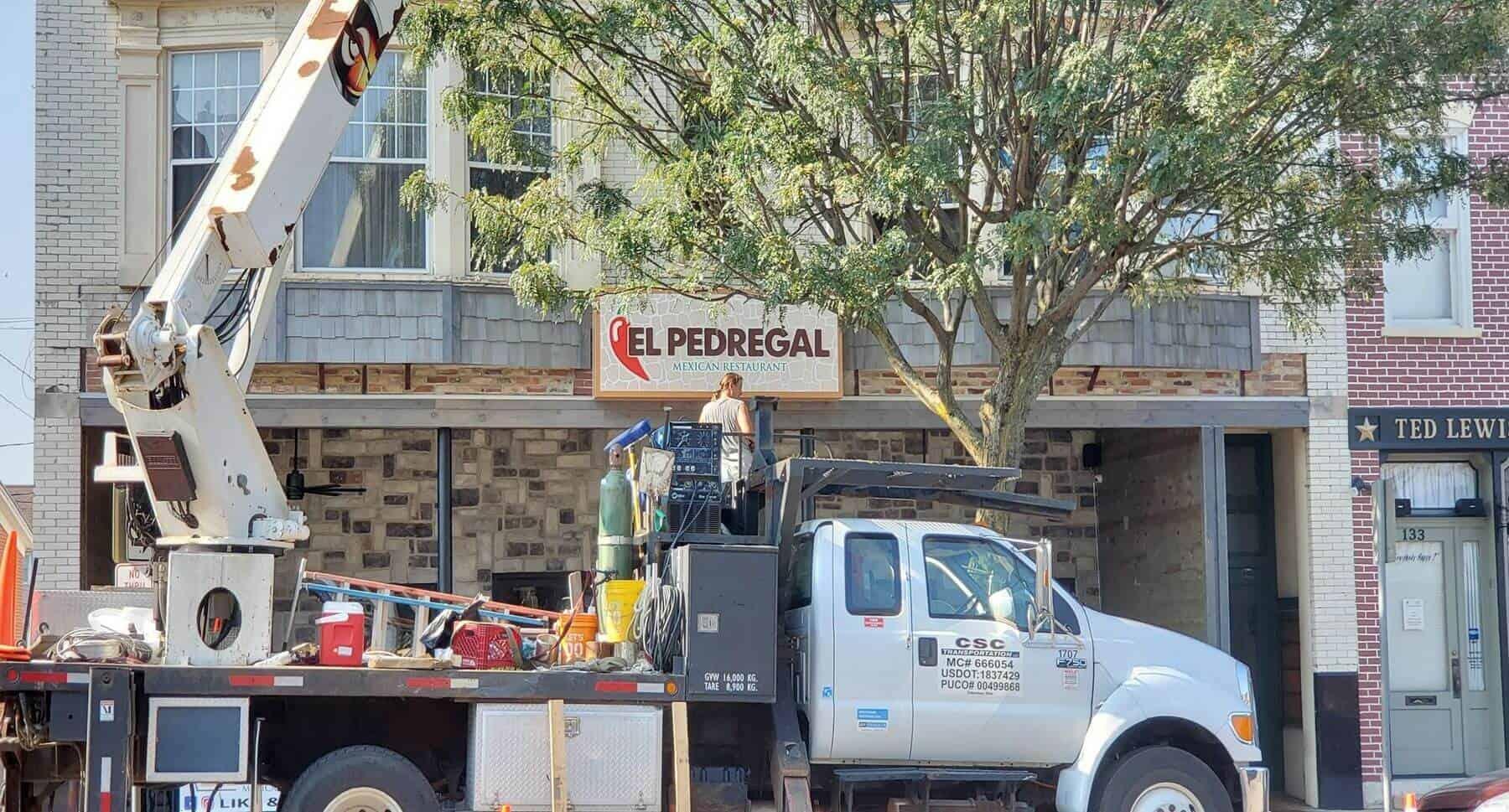 El Pedregal gets new outdoor sign installed