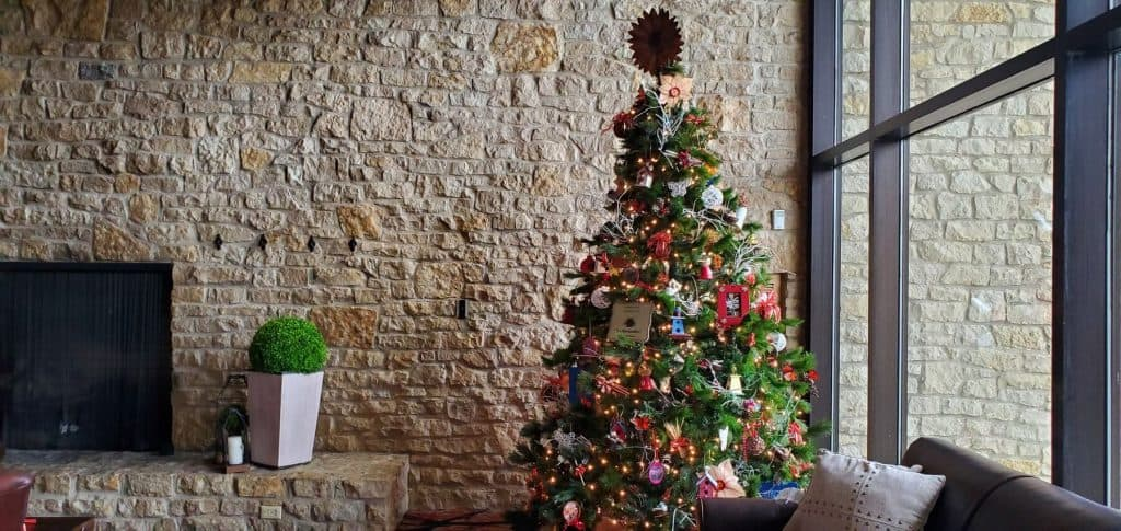 Circleville Garden Club Christmas Tree at Deer Creek Lodge