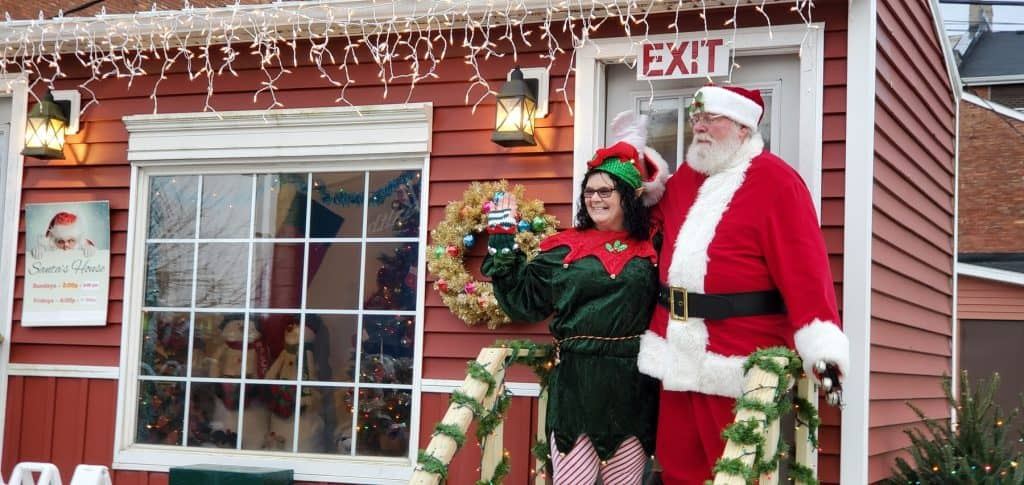 Santa Claus arrives in Downtown Circleville