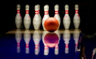 how to bowl a strike