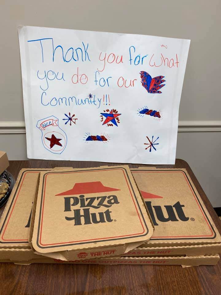 Local family donates pizza to Washington CH police department