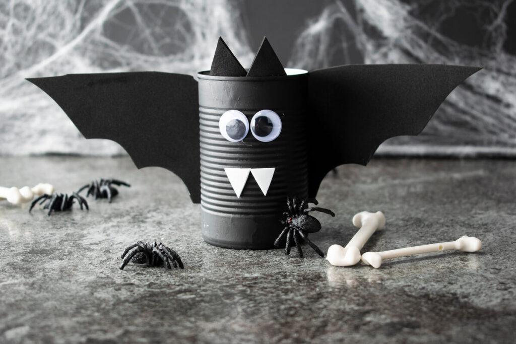 Halloween Spooky Bat Can