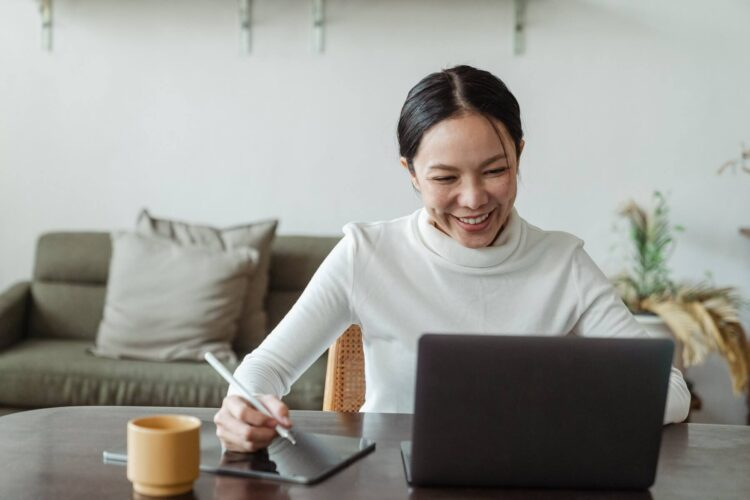 5 ways to keep your employees motivated when working from home