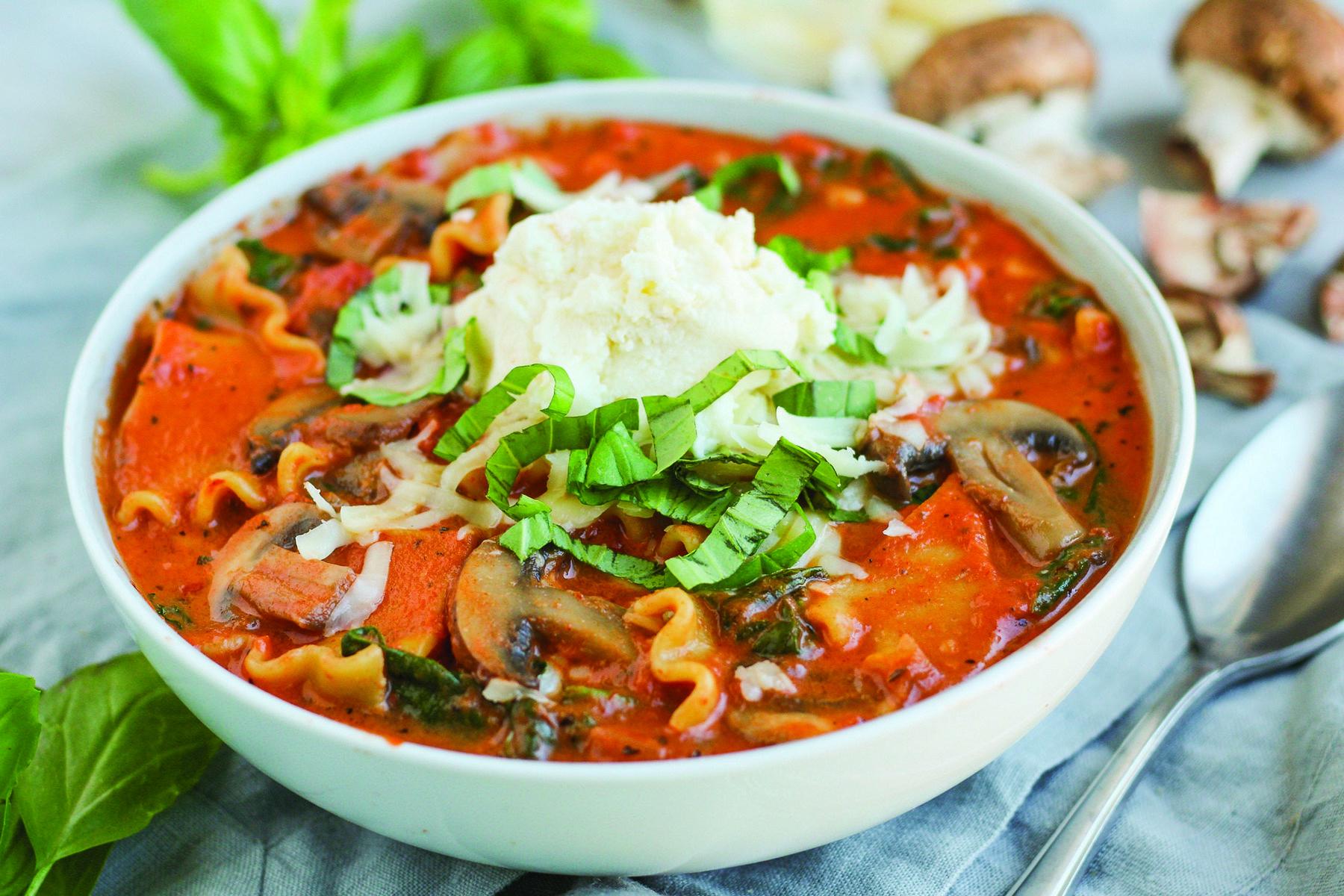 Creamy Spinach, Mushroom and Lasagna Soup