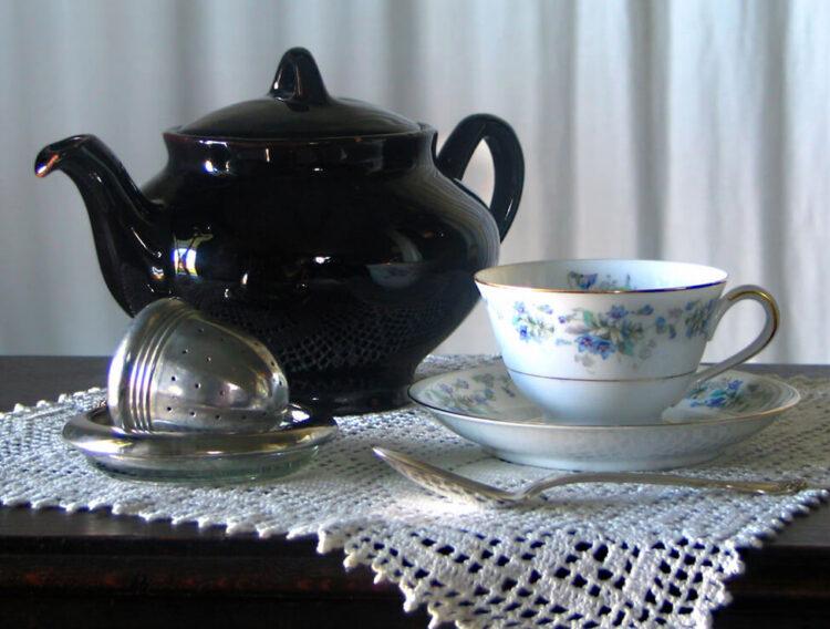 Brewing tea for maximum flavor, benefits