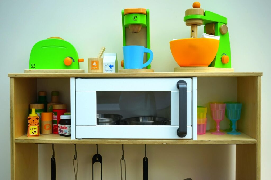 Un-stink your microwave with vinegar